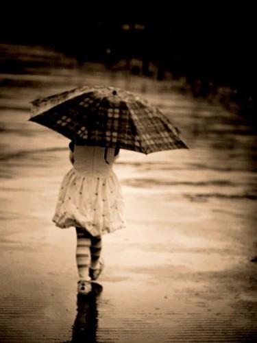 ''Ayakta kalmak yalnız olmak değildir... Hayatla yalnız da başa çıkabilecek kadar güçlü olmaktır''